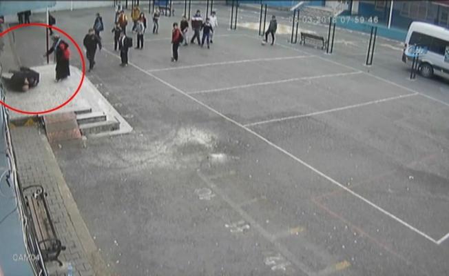 Veli okulda müdür yardımcısına saldırdı