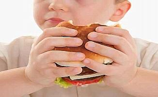 Aşırı kilo erken yaşta diz kireçlenmesine sebep oluyor