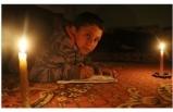 Yahya, Türk askeri olmak için mum ışığında ders çalışıyor