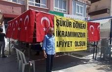 """Seçimleri Erdoğan kazanınca """"şükür döneri"""" dağıttı"""