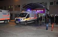 İki araç çarpıştı: 1 ölü, 4 yaralı