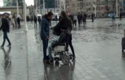 Erkek şiddetine engelli vatandaş müdahale etti