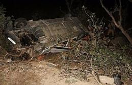 Nemrut Dağı'ndan dönen turist kafilesi kaza yaptı:...