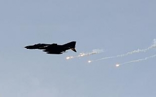 Esat güçleri Doğu Guta'ya klor gazlı hava saldırısı...