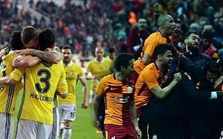 Galatasaray'da 14 futbolcu ilk kez