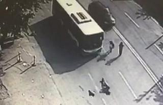Belediye otobüsü genç kıza böyle çarptı