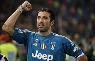 Buffon Juventus'u bırakacağını açıkladı