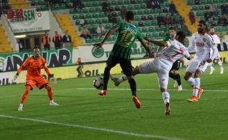 Akhisarspor Göztepe'yi bir golle geçti