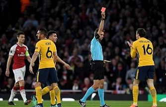 Arsenal 10 kişi kalan Atletico Madrid'e diş geçiremedi