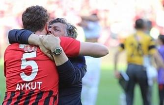 Eskişehirspor Yılmaz Vural ile anlaşamadı