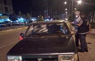 Otomobilin önünü kesip levyelerle saldırdılar: 5 yaralı