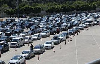 Akın akın geliyorlar: 24 saatte 7 bin 66 araç