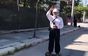 Yaşlı adamın 'hoverboard' keyfi
