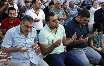 Binlerce vatandaş Eyüp Sultan'da buluştu