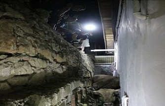 Kaçarken duvardan düşen kurbanlık 3 saatte kurtarıldı