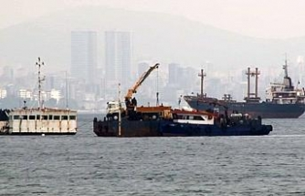 Batan gemi sökülerek parçalandı