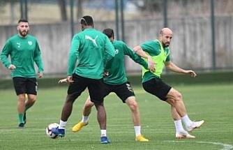 Bursaspor'da Galatasaray maçı hazırlıkları sürüyor
