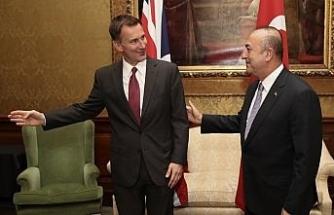 Çavuşoğlu İngiliz mevkidaşıyla görüştü