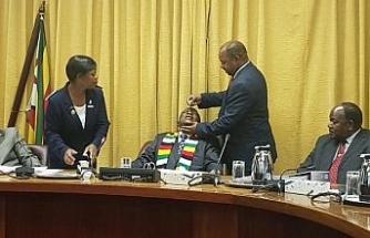 Devlet Başkanı Mnangagwa'ya kolera aşısı
