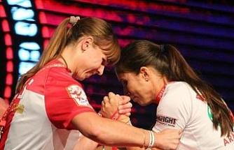 Dünya Bilek Güreşi Şampiyonası'nda büyük başarı