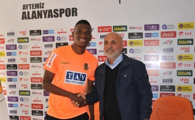 Alanyaspor, Fofana ile sözleşme yeniledi