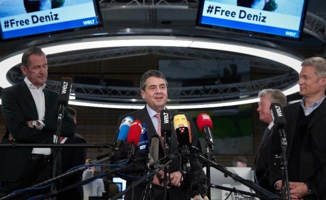 """Almanya Dışişleri Bakanı Gabriel'den """"Deniz Yücel"""" açıklaması"""