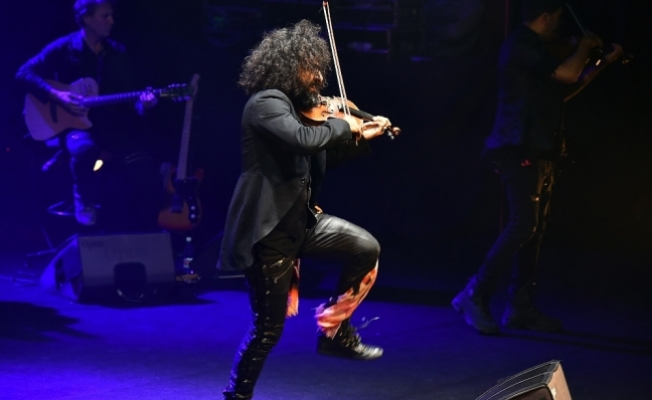 Ara Malikian İzmir'de konser verdi