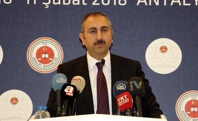 Bakan Gül'den şehidi icraya veren avukatla ilgili açıklama