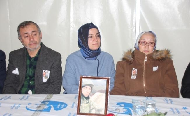 Bakan Kaya şehit ailesini ziyaret etti