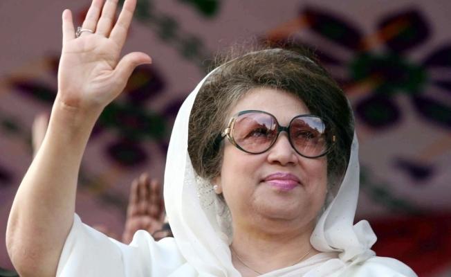 Bangladeş'in eski Başbakanına 5 sene hapis cezası verildi