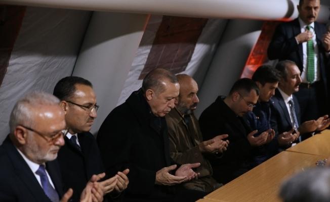 Cumhurbaşkanı Erdoğan'dan şehit ailesine ziyaret