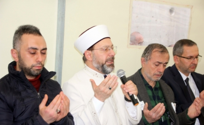 Diyanet İşleri Başkanı Erbaş'tan şehit ailesine ziyaret