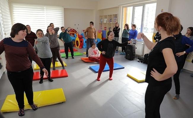 Down sendromlu çocuklara özel dans kursu
