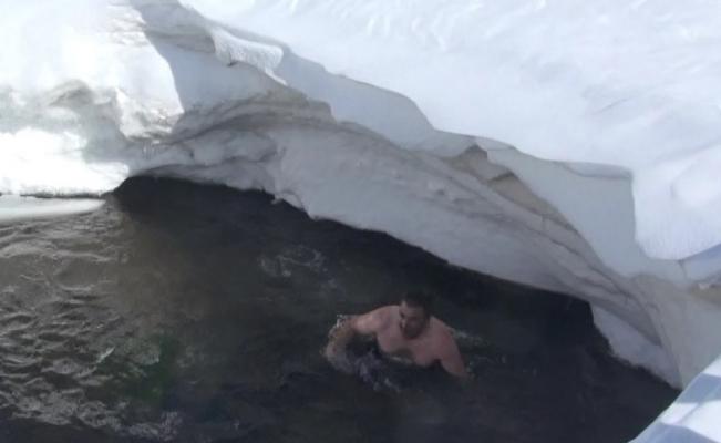 Eksi 15 derecede yaylada göle girdiler