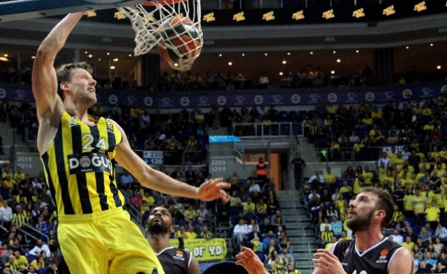 Euroleague'de MVP'si Jan Vesely