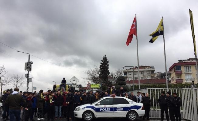 Fenerbahçe tesislerden ayrıldı
