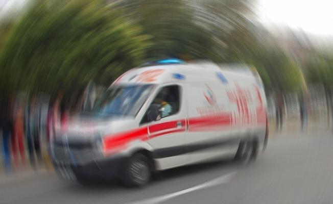 İşçileri taşıyan araç devrildi: 6 yaralı