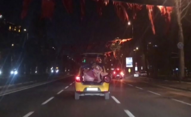 İstanbul'da ilginç taşıma yöntemi kamerada
