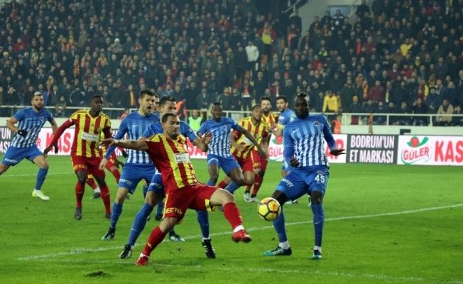 Kasımpaşa ile Malatyaspor puanları paylaştı