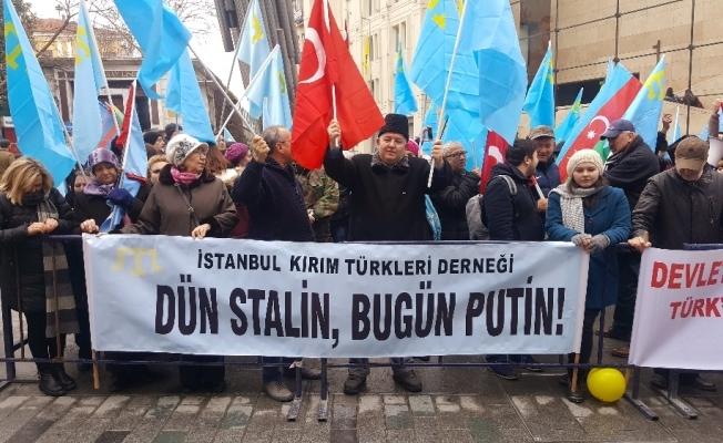 Kırım Tatar Türklerinden Rusya protestosu
