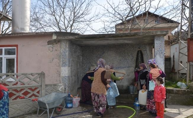 Köy halkı, ödenmeyen fatura nedeniyle 2.5 yıldır susuz