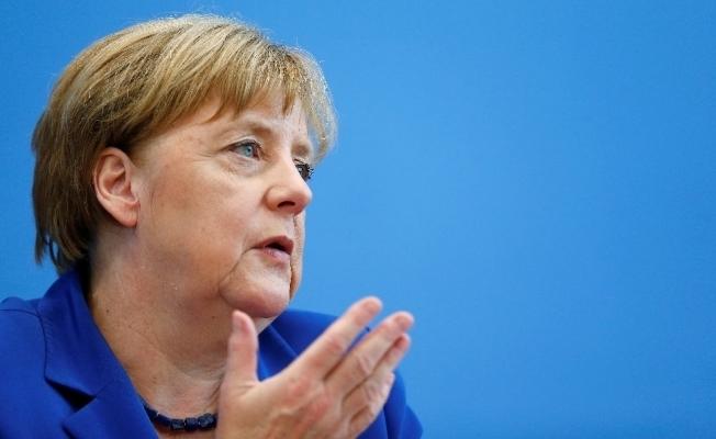 """Merkel'den """"Deniz Yücel"""" açıklaması"""