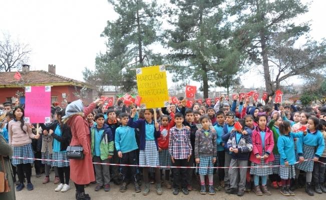 Okul harçlıklarını Afrin'e gönderdiler