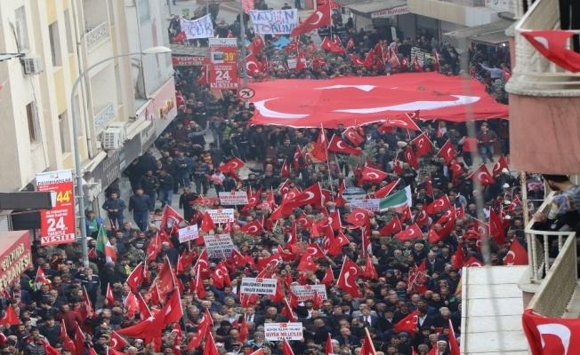 Sıfır noktasında Mehmetçik'e mehteranlı destek yürüyüşü
