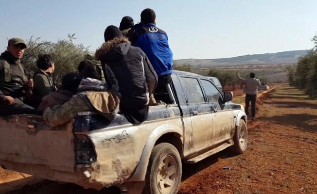 Suriyeliler çatışma bölgesinden güvenli yerlere kaçıyor