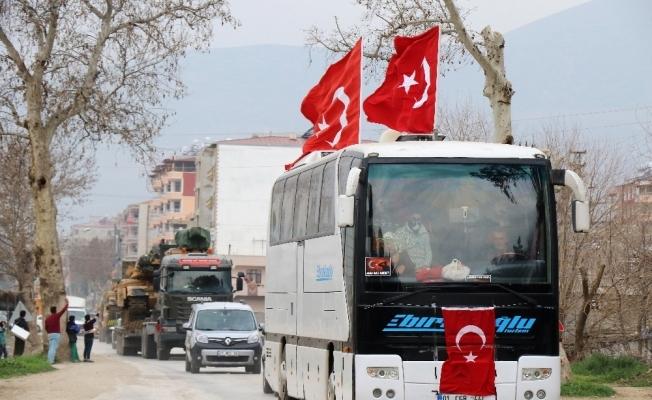Tanklar 150 araçlık konvoyla sınıra gitti