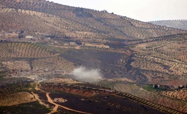 TSK Çakallı köyündeki terör hedeflerini bombardımana tuttu