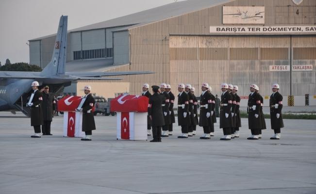 Uçak kazası şehitleri için tören yapıldı