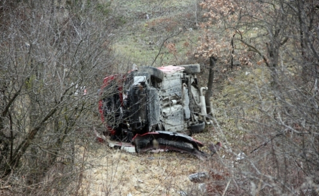 Yoldan çıkan otomobil şarampole yuvarlandı: 6 yaralı