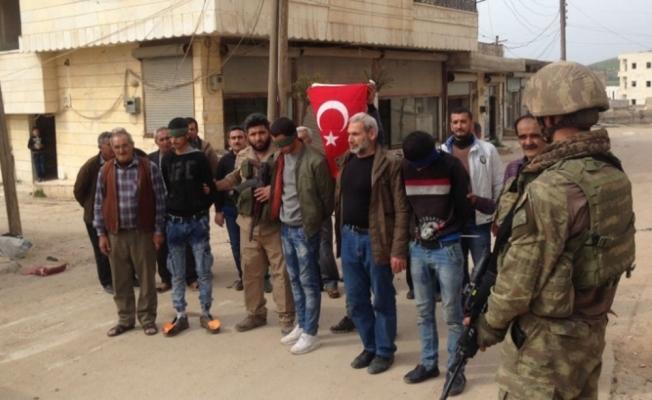18 terörist daha TSK'ya teslim edildi